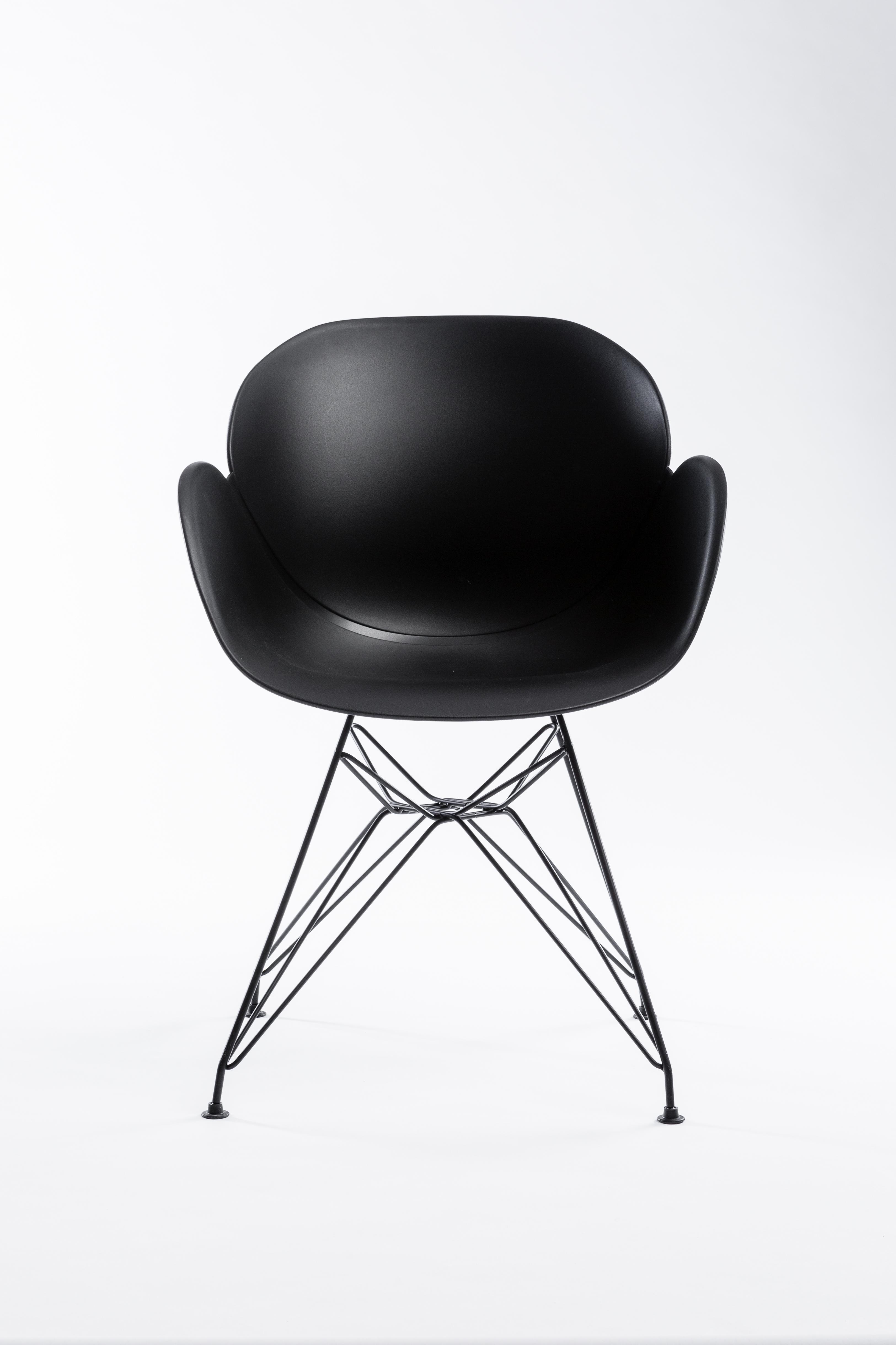 Sedia malaga nera by unico milano restylit shop for Sedia design nera